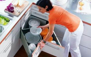 Угловые ящики на кухне