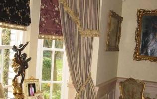 10. Тяжелые драпировки | Десять ошибок в интерьере маленькой квартиры