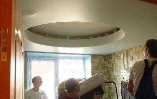3. Многоуровневый потолок | Десять ошибок в интерьере маленькой квартиры
